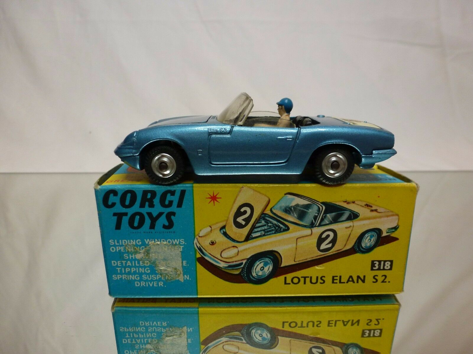 CORGI TOYS 318 LOTUS ELAN S2 - blu 1:43 - GOOD CONDITION IN BOX