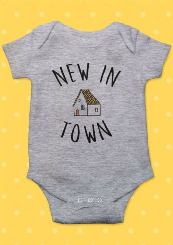 New In Town House Smile Funny Cool Baby Shower Boy Girl Bodysuit Romper 60
