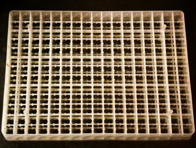 88 EGG CAPACITY RITE FARM PRODUCTS CHICKEN EGG TRAY FOR OUR CABINET INCUBATORS