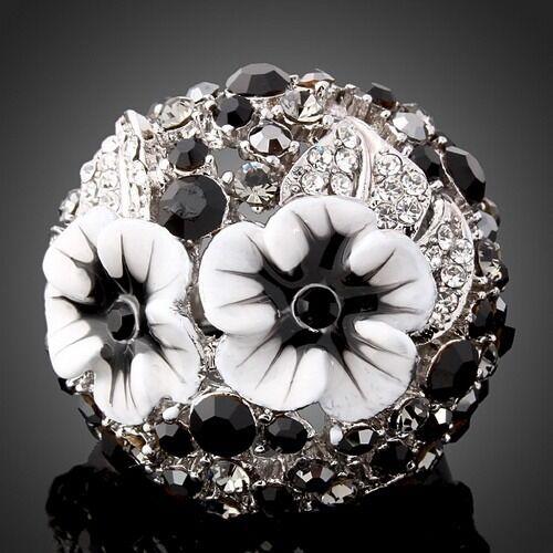New Alloy Rhinestone Enamel White Platinum Gold Plated Pretty Flower Women Ring