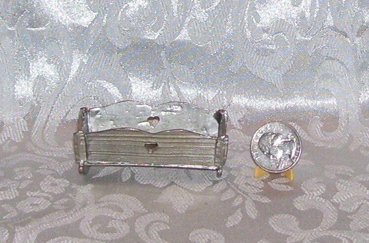 Jahr DOLLhaus MINIATURE PEWTER DOLL Baby CRADLE ROCKER BED CRAFTSMAN USA