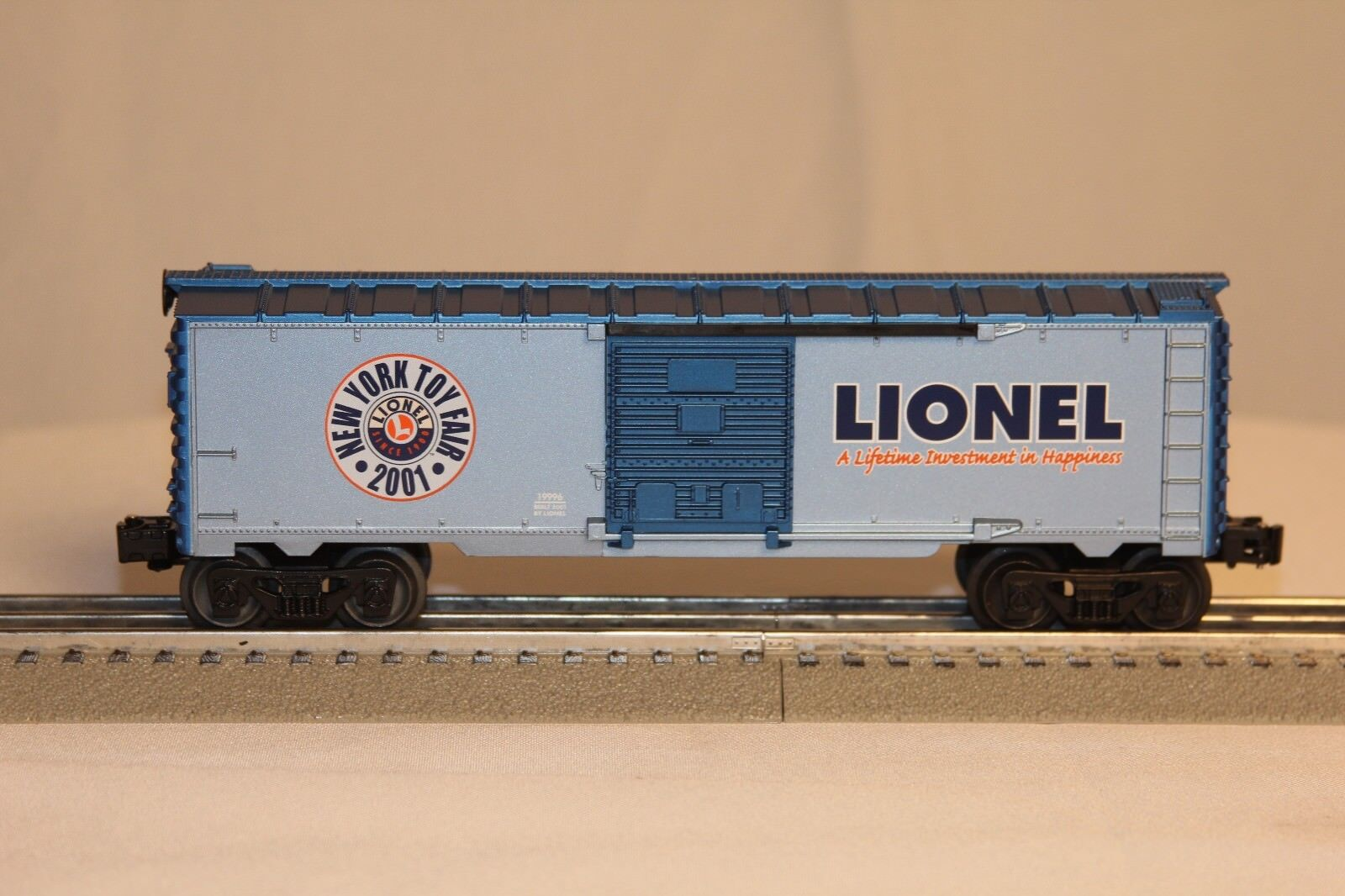 LIONEL 2001 TOY FAIR   A Lifetime Investment in Happiness  NOS