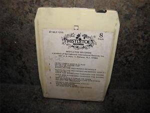 Vintage MISTLETOE RECORDS 8 Track Tape CHRISTMAS WITH THE CHIPMUNKS Alvin Simon
