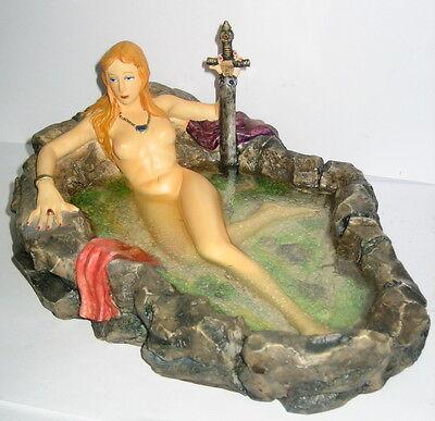 Badende Kriegerin, erotische Figur, 22cm, massiv Kunststein, 22x16x10cm