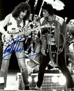 Eddie-Van-Halen-amp-Michael-Jackson-Autographed-8x11-Photo
