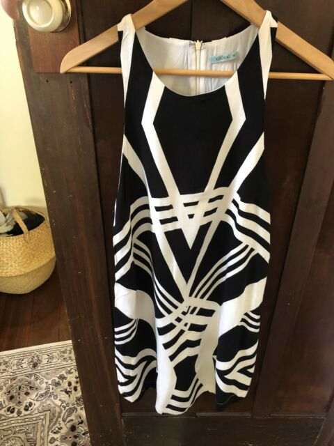 KOOKAI black and white dress size 38 or 10 excellent condition