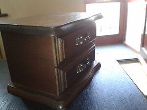 Antico-Jewel-Case-scatola-legno-massello-pulire-all-039-interno-RARO