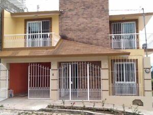 Casa en RENTA excelente ubicación a 3 minutos de plaza las Américas
