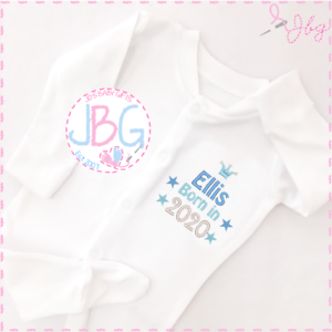Personalised embroidered Baby baby grow gift set Born in 2020