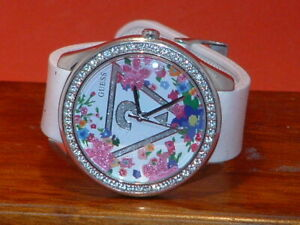 Pre-Owned-Women-s-Guess-U0904L1-Flower-Sparkle-Fashion-Analog-Watch