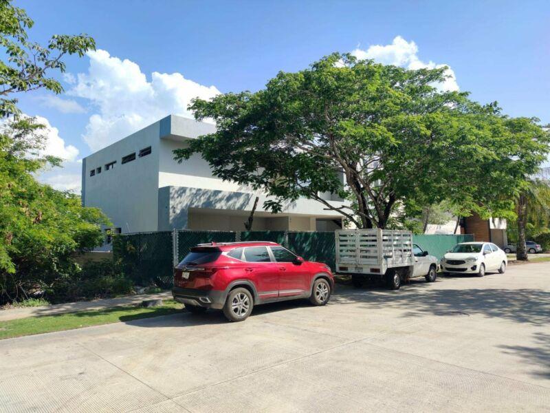 Casa en venta en Yucatan Country Club al norte de Merida en zona residencial exclusiva