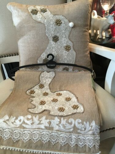 NWT 2 PIECES PIER 1 MATCHING EMBELLISHED LACE BUNNY TABLE RUNNER /& THRO PILLOW