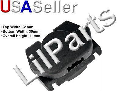 Genuine Nissan Fender Liner Clip 01553-05233