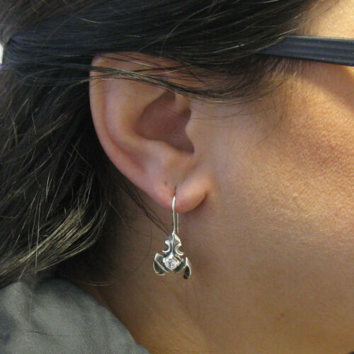 Argent sterling Boucles d/'oreilles en solide 925 SCORPIONS avec 4.5 Mm Zircone Cubique E000705
