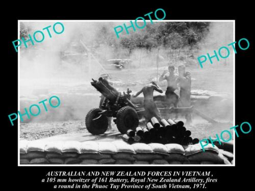 OLD 6 X 4 HISTORIC PHOTO OF ROYAL NEW ZEALAND ARMY ARTILLERY IN VIETNAM WAR 1971