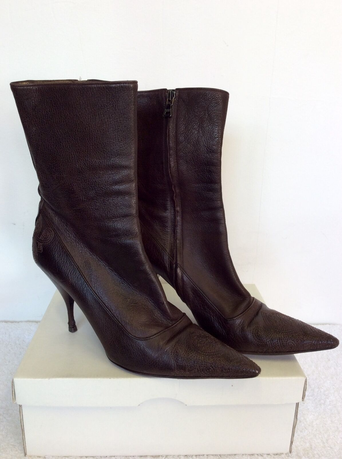 PRADA DARK BROWN LEATHER CALF LENGTH BOOTS SIZE SIZE SIZE 7.5  40.5 22ff04