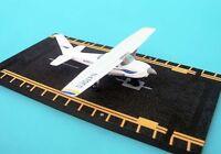 Hot Wings Hw13107 Cessna 172 Skyhawk Diecast Desk Model Airplane & Training Aid