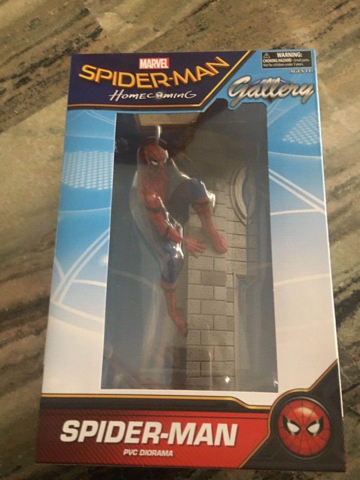 Diamond Select Marvel Gtuttiery cifra PVC Spideruomo Homecoming PVC  Diorama  acquista online