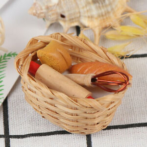 1-12-Dollhouse-Miniature-Food-Tool-Bread-Toast-With-Basket-Kitchen-Decoration-gt
