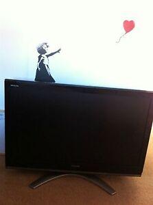 Toshiba-Regza-42-inch-LCD-42X3030DB-Flat-screen-TV-Television