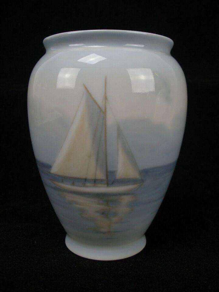 Vase Med Skib, Bing og Grøndahl