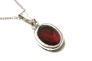 9ct-White-Gold-Oval-Garnet-Pendant-Necklace-and-chain-Gift-Boxed-uk-made-Xmas