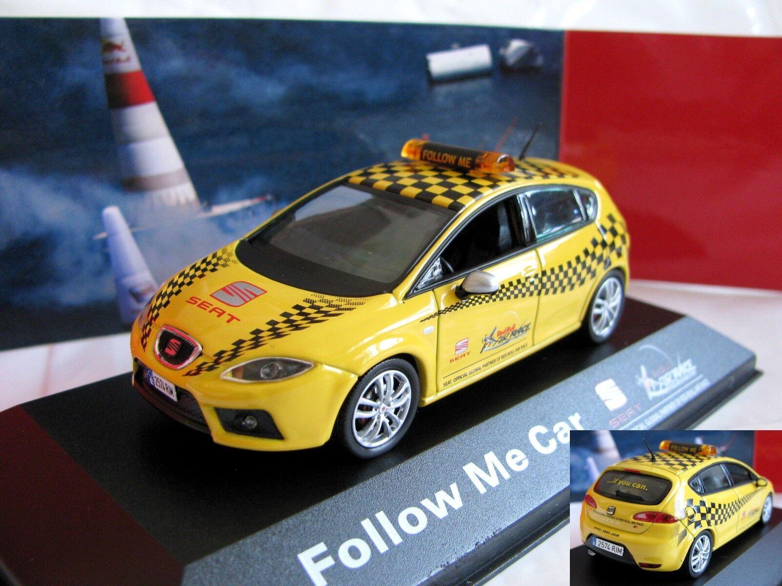 1 43 Seat Leon Mk2 Follow Me coche fundido a presión (rosso Bull Air Race Especial)