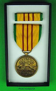 GI-issue-Vietnam-War-Service-Medal-set-original-box-government-surplus-ML
