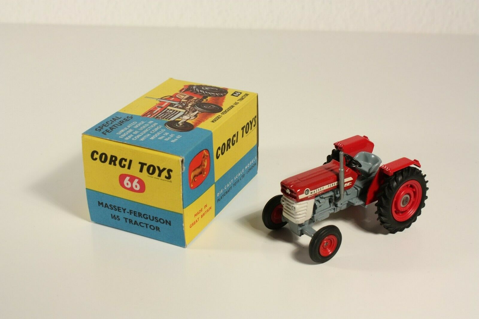 Corgi Toys 66 Massey-Ferguson 165 TRACTOR, MINT IN BOX  ab2300