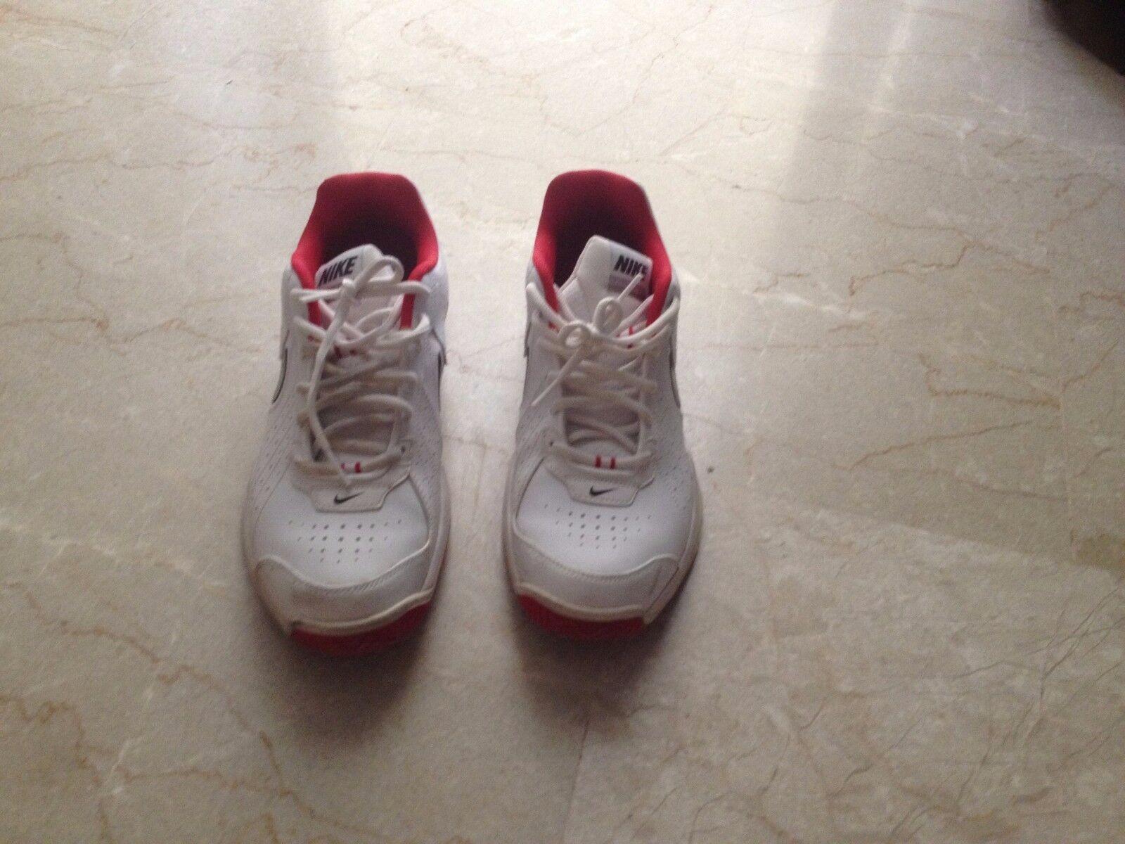 Nike Air Court MO IV