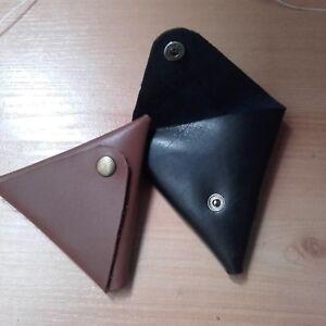 Monedero-triangular-piel-cuero