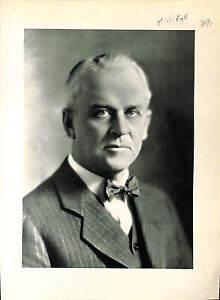 Robert-Andrews-Millikan-Physicist-Electronic-Charge-USA-ILLUSTRATION-1950