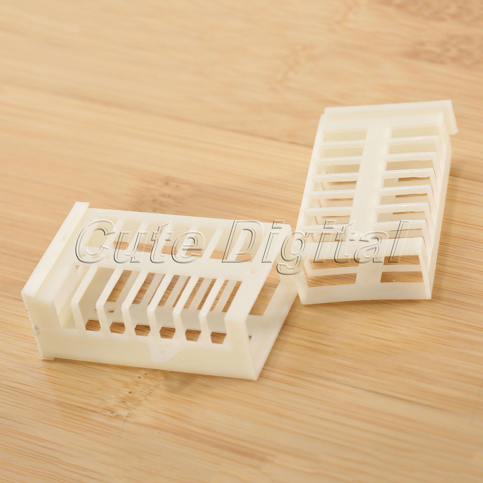 10Pcs Queen Bee Cage Match-box Plastic Moving Catcher Beekeeping Equipment Tool