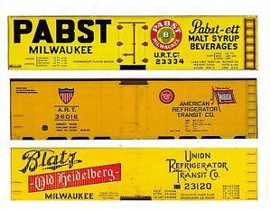 Three-S-scale-boxcars-PABST-ART-BLATZ-printed-reefer-sides