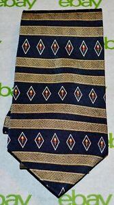 CLASSIC-GEOFFREY-BEENE-Navy-Blue-Gold-Red-Horizontal-Stripe-Diamond-Silk-Tie-USA