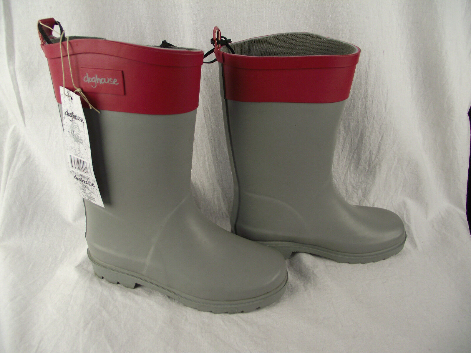 BNWT Older Girls Sz 5 Quality Rivers Doghouse Brand Smart Grey and Red Gumboots