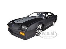 1985 CHEVROLET CAMARO IROC-Z MATT BLACK 1/24 DIECAST MODEL CAR BY JADA 96763