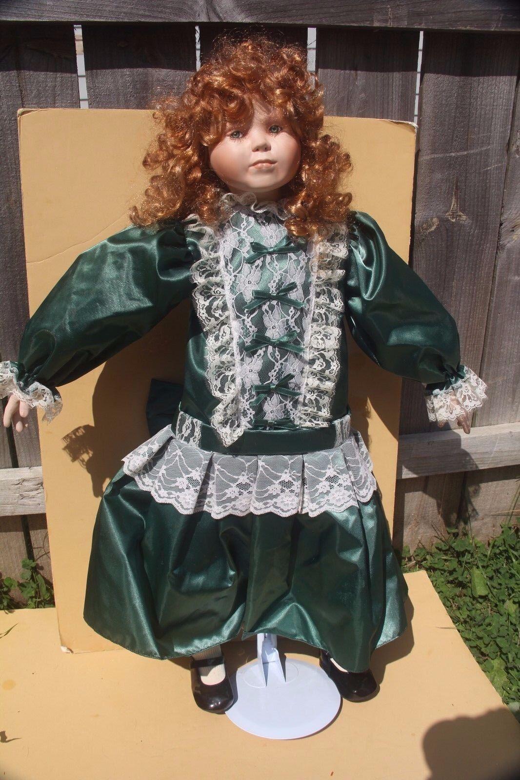 Norma Rambaud Doll World Gallery 13 500 Ltd 32  alto victoriano Regina Cabeza Rojo