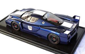 1-8-big-scale-Amalgam-Ferrari-FXX-2005-Tour-de-France-Blue-mint-cased-boxed