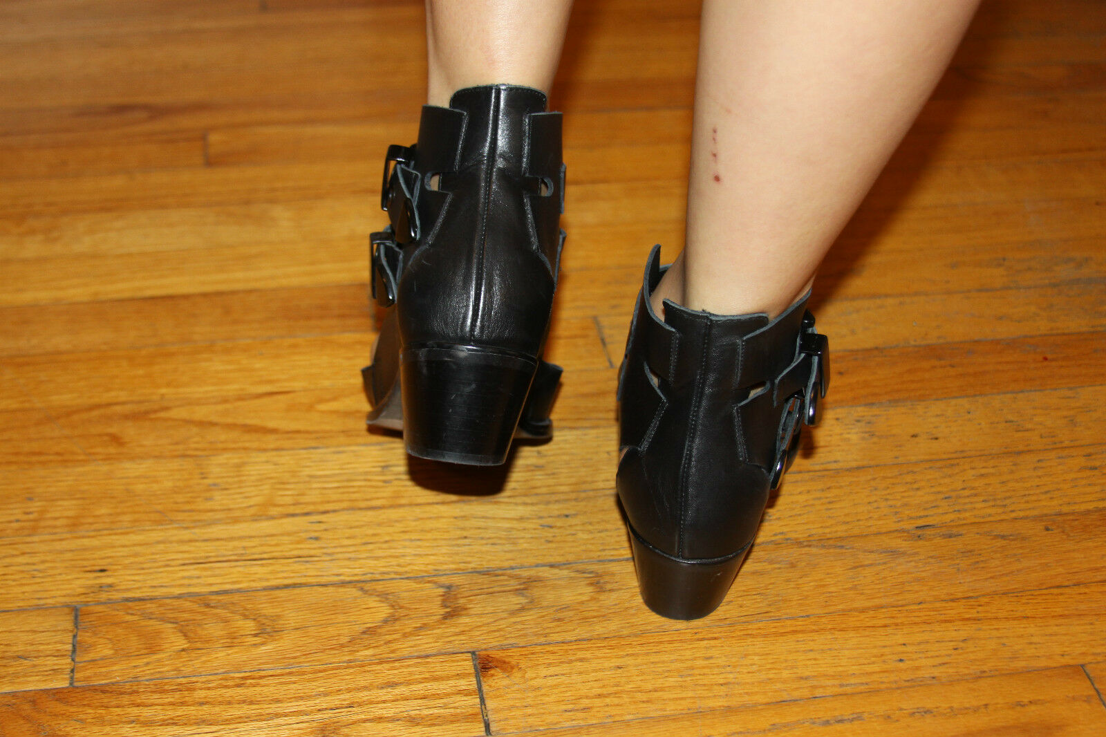 INTENTIONALLY CUT-OUT BOOTIE SZ 8 - image 4