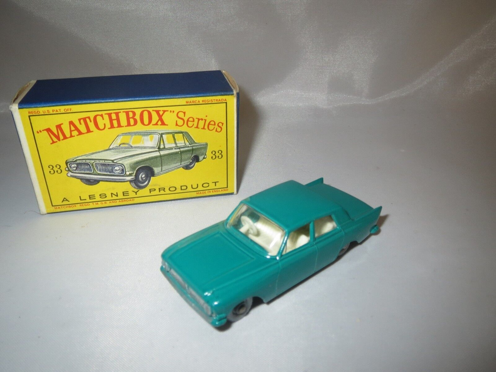 MATCHBOX/LESNEY 33 Ford Zephyr III CONFEZIONE ORIGINALE