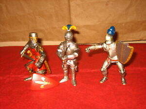 Medieval Knights (2 Schleich + 1 Papo) 2003 Red Knight, Sword, Shield Lot of 3