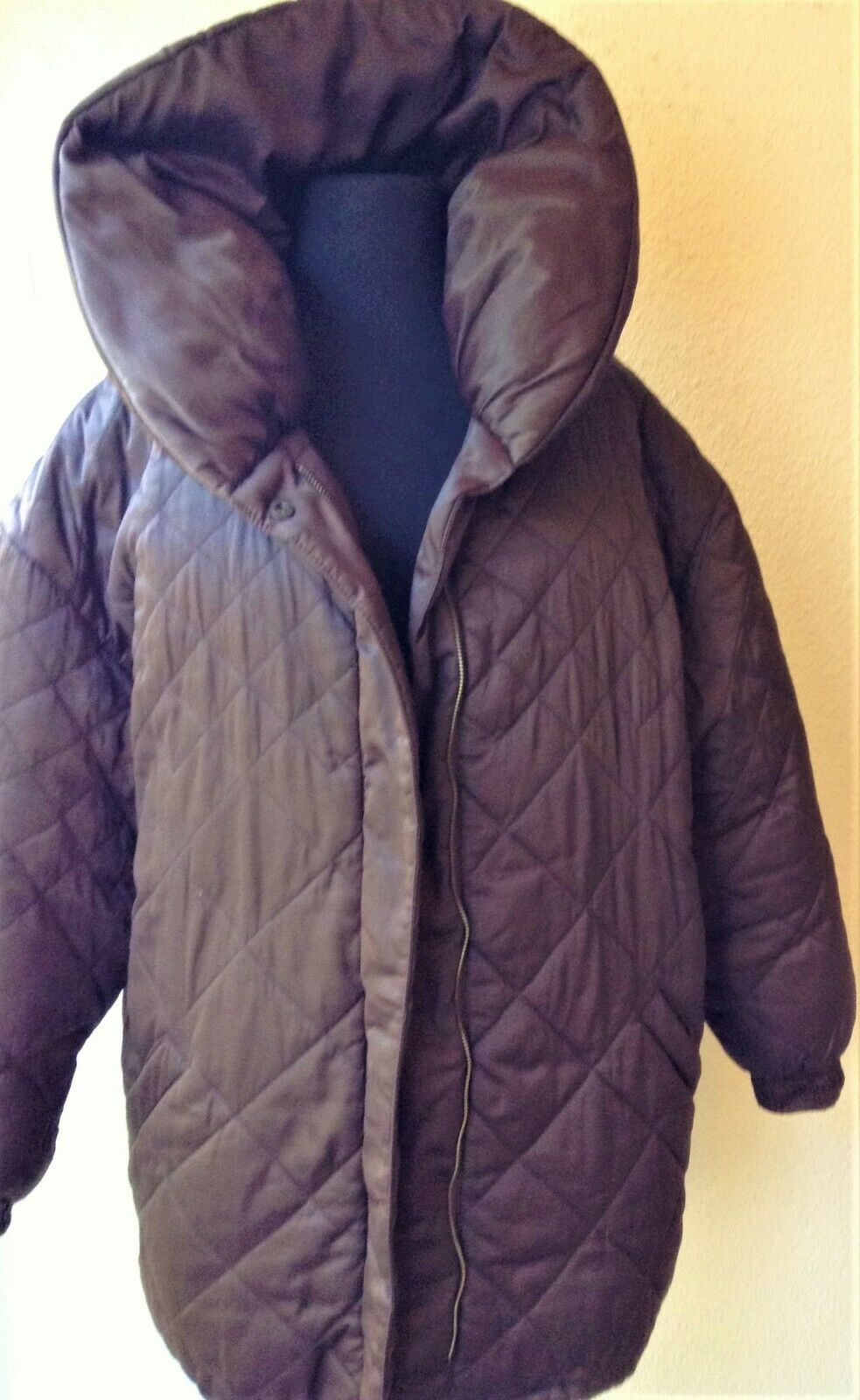 BILL BLASS QUILTED DOWN FILLED PUFFER COAT, KNEE … - image 1