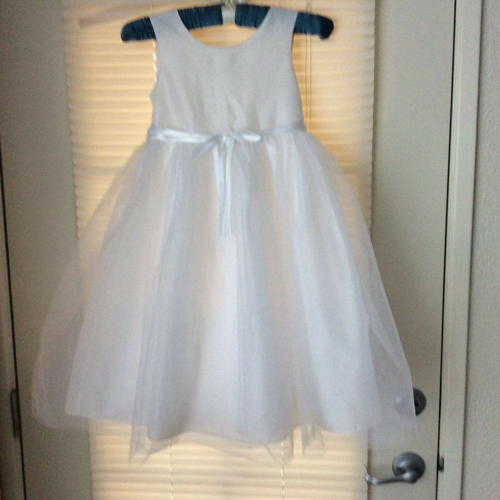 Perfectly Dressed White Beautiful Girl Long Dress Sz 6X