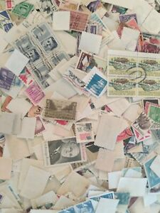 Collection-of-3-oz-of-Used-US-Postage-stamps-about-1000-off-paper-stamp-lot