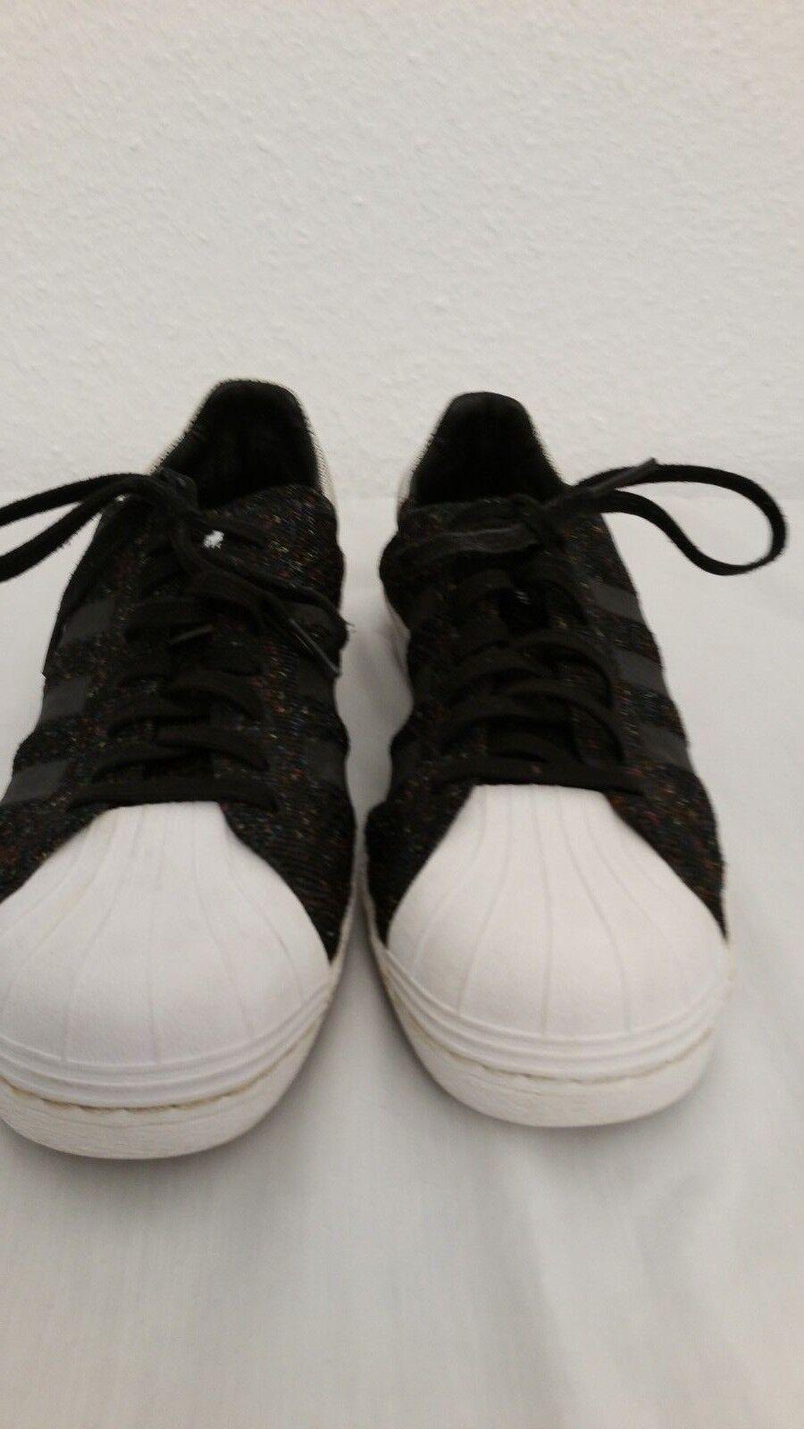 1250---Adidas  la marque UK 9 Gr.43 Stoff,wie neu