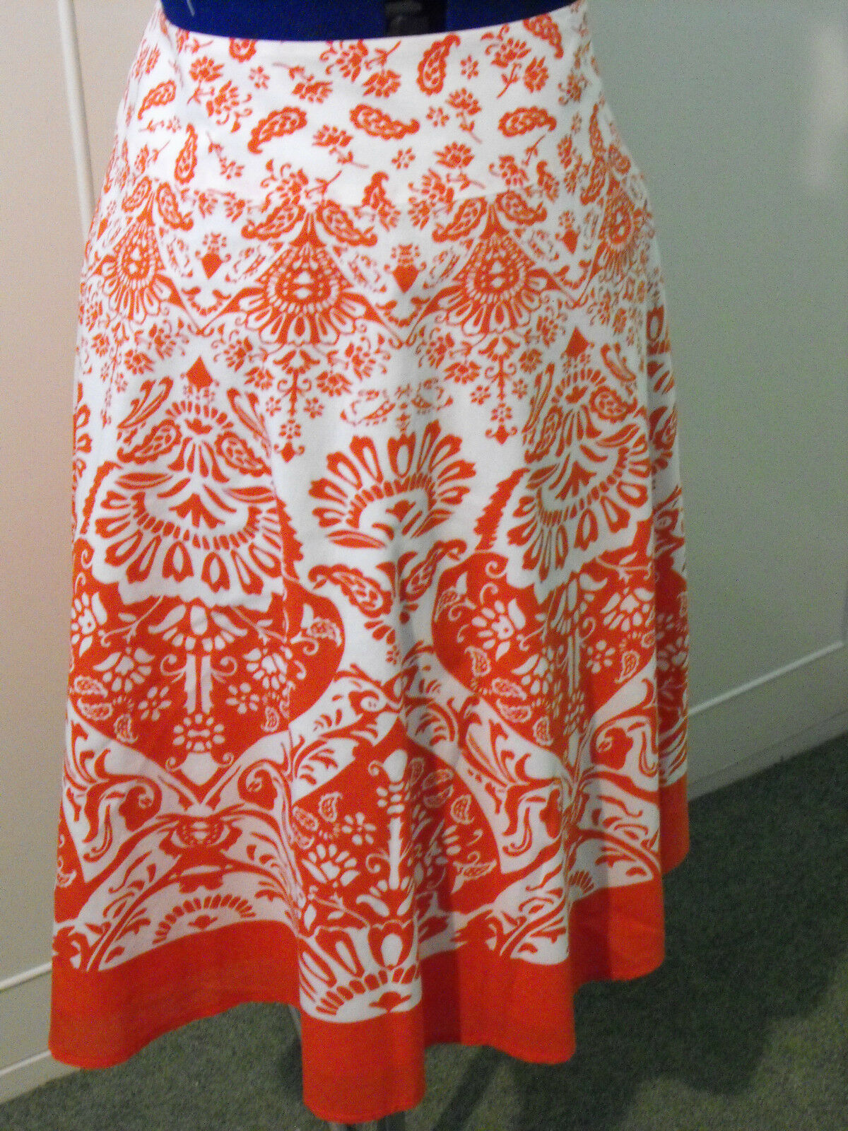 TALBOTS orange AND WHITE COTTON FLARED SKIRT - SIZE 8 (US)