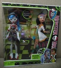 MONSTER HIGH LAB PARTNERS CLEO DE NILE & GHOULIA YELPS MAD SCIENCE 2-PACK *NEW*