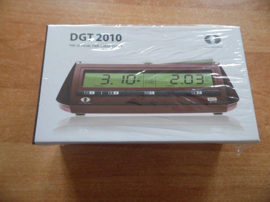 8 elektronische Schachuhren der Marke  DGT 2010  als originalverpackte Neuware