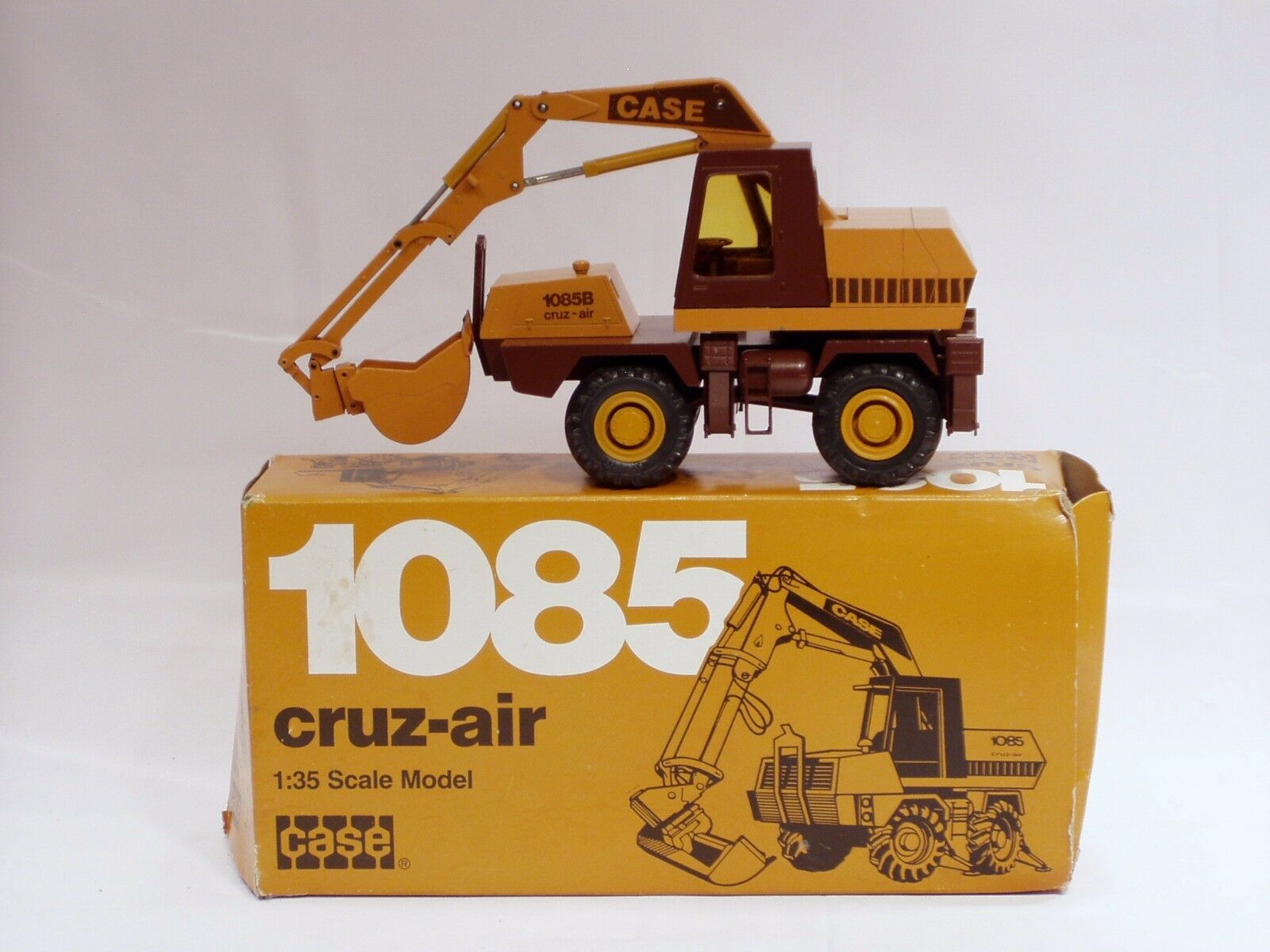 Case 1085B Excavator Excavator Excavator - 1 35 - Conrad N.MIB 99130e
